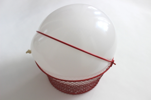 red basket balloon