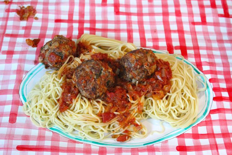 spaghetti & meatballs on a paper plate